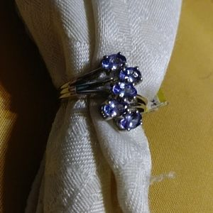 New- lavender color tanzanite ring. Size 5